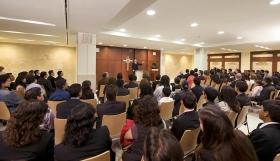Azúj mexikói Szcientológia szervezet kápolnája szolgál helyszínül a hívek és vendégek számára a vasárnapi szertartásokhoz, esküvőkhöz, névadó szertartásokhoz és más gyülekezeti összejövetelekhez.