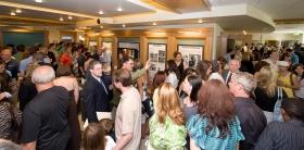 Szcientológusok és vendégek járták végig az új egyház közönséginformációs központját és a benne elhelyezett multimédiás kiállítást, amely ismerteti és bemutatja a Szcientológia tanait és L. Ron Hubbard, az alapító életét.