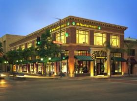 Az Út a Boldogsághoz Alapítvány a kaliforniai Glendale-ben.